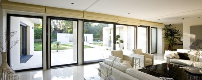 installer une baie vitr e agence briques en stock. Black Bedroom Furniture Sets. Home Design Ideas