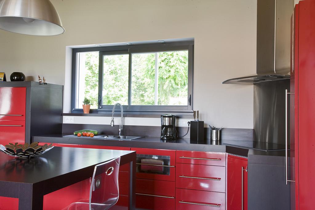 vos fen tres alu aussi doivent tre certifi es agence briques en stock. Black Bedroom Furniture Sets. Home Design Ideas