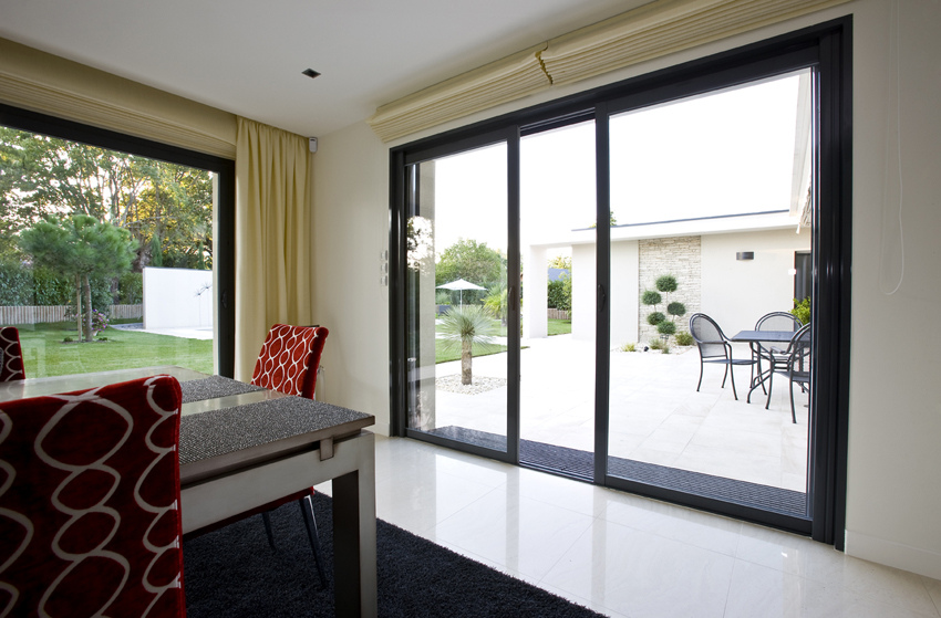 impot agence briques en stock. Black Bedroom Furniture Sets. Home Design Ideas