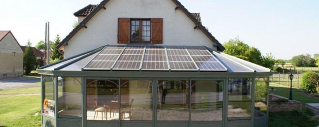 profiter de la toiture d 39 une v randa pour installer des panneaux photovolta ques agence. Black Bedroom Furniture Sets. Home Design Ideas
